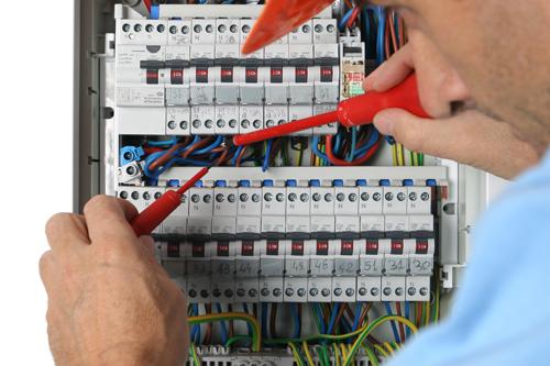 Électricien Melun : un professionnel indispensable pour vos travaux