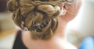 Zoom sur les méthodes de pose d'extensions de cheveux à froid